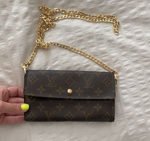 Authentic Louis Vuitton Wallet On Chain for Sale in Federal Way, WA