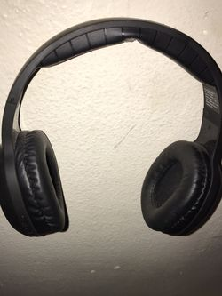 Toshiba Bluetooth headphones for Sale in Thornton,  CO
