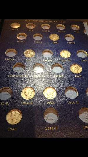 BIG Valuable SILVER 1916-1945 Mercury Dimes Collection- Beautifully Displayed in Whitman High Quality Folder- Many Scarce & Earlier 1920's Dates! for Sale in Chantilly, VA