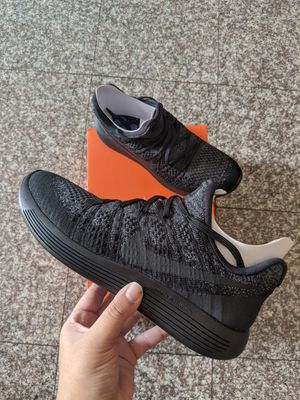 Men 9.5 • NIKE Lunarepic Low Flyknit 2 for Sale in Pico Rivera, CA
