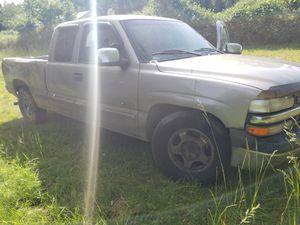 2001 chevy Silverado for Sale in Molalla, OR