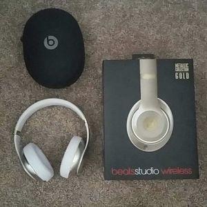 Beats Studio Wiresless Headphones for Sale in San Diego, CA