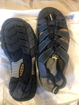 KEEN sandals size11 for Sale in Dearborn Heights, MI
