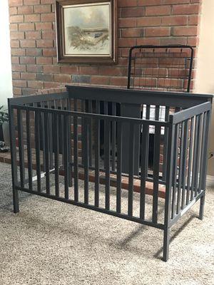 Grey crib for Sale in Los Alamitos, CA
