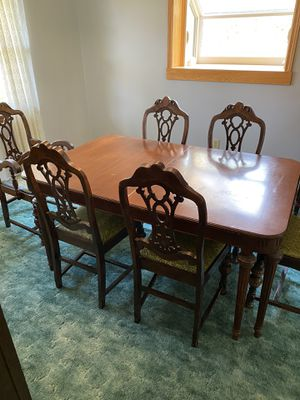 1930's chippendale antique dining room set very nice and in great condition for Sale in White Hall, WV