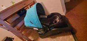 Car seat, baby carrier, baby bather for Sale in Chula Vista, CA