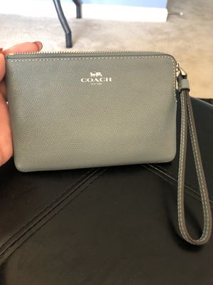 Coach Wristlet Green/Gray for Sale in Indianapolis, IN