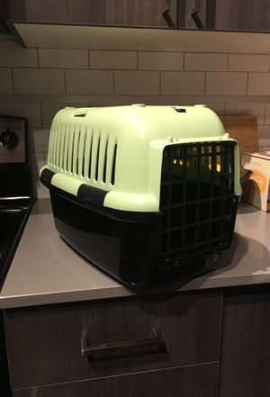 Small Hard-Shell Pet Dog/Cat Carrier Crate for Sale in Seattle, WA