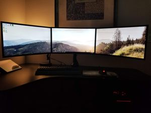 3 Curved Samsung Monitors w/ Desk Mount for Sale in Tempe, AZ