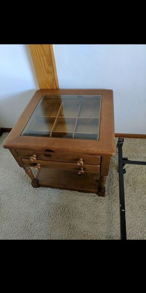 Glass top end table for Sale in Pittsburgh, PA