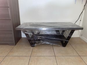 Brand new wood coffee table for Sale in Las Vegas, NV