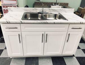 Kitchen cabinet for Sale in Anaheim, CA