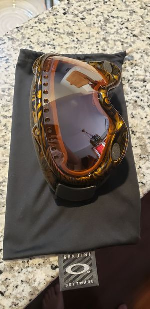 Oakley Snowboarding Goggles - Never Worn for Sale in Dublin, OH