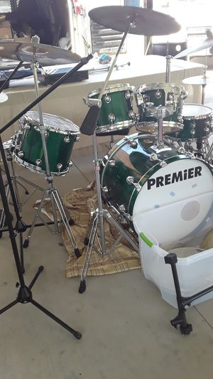 PREMIER DRUM SET MADE IN ENGLAND IN EXCELLENT CONDITION WITH EXTRA HARDWARE AND PEDALS AND CYMBALS for Sale in Houston, TX