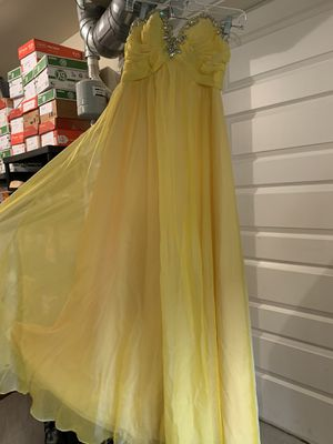 Yellow prom dress for Sale in Bothell, WA