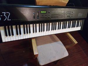 Piano ENSONIQ for Sale in Los Angeles, CA