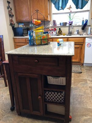 Island Table for Sale in Yuba City, CA