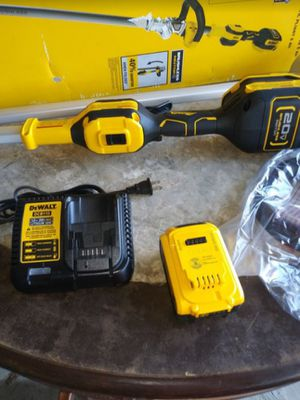 DEWALT 20-Volt MAX Lithium-Ion Brushless Cordless String Trimmer with One 5 Ah Battery and Charger for Sale in Rialto, CA