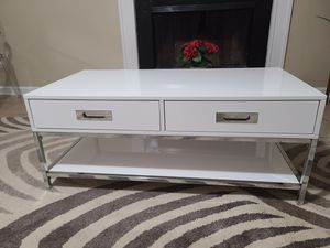 Mordern white coffee table with chrome frame for Sale in Dunwoody, GA
