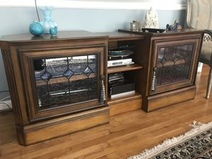 Double cabinet tv stand, accordion for Sale in Potomac, MD