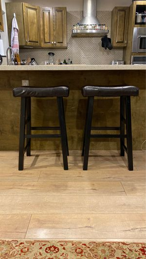 2 black and brown leather bar stools for Sale in San Diego, CA