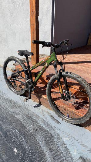 Specialized hard rock mountain bike for Sale in Millbrae, CA