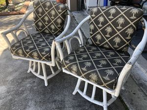 Pair (2) bamboo wood patio chairs w/ plan tree cushions for Sale in Plantation, FL