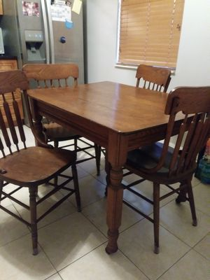 Old antique Table for Sale in Royal Palm Beach, FL