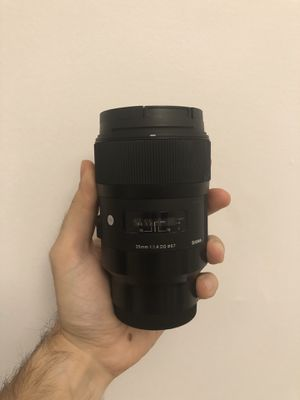Sigma 35mm f1.4 DG HSM art lens for Sony E for Sale in New York, NY