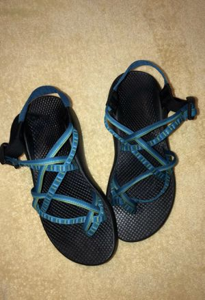 Chacos blue green crisscross 💚💙 for Sale in San Antonio, TX