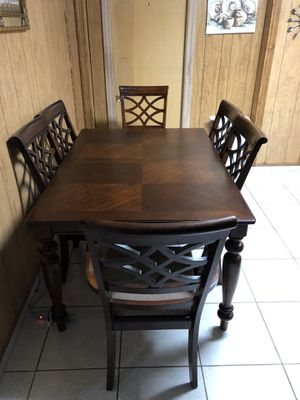 Dining set tv and stand for Sale in North Lauderdale, FL