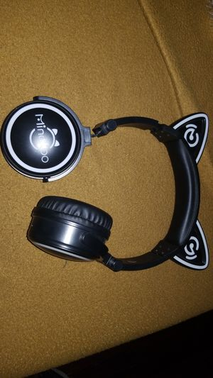 Wireless headphones. Near fiesta TX for Sale in San Antonio, TX
