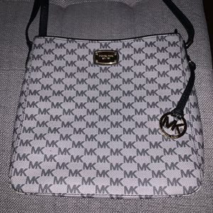 Michael Kors Gray And Black Purse for Sale in Conshohocken, PA