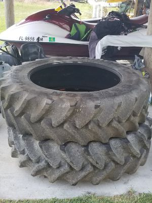 New 18.4R 42 tire (2) tractor John Deere for Sale in FL, US