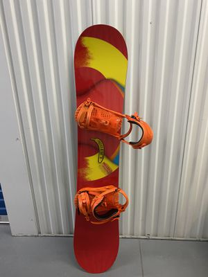 Burton Custom Smalls Snowboard w/ Boots and Snowboard Bag for Sale in Fort Myers Beach, FL