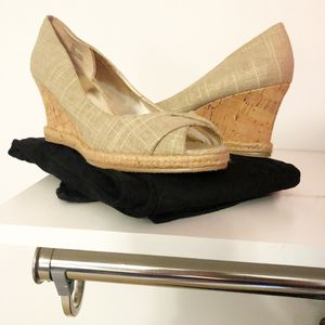 Michael Kors Wedge -size 8 for Sale in GLOU POINT, VA