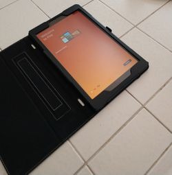 Kindle fire HD 10 -10.1 inch full HD 32GB IN GOOD CONDITION for Sale in San Diego,  CA