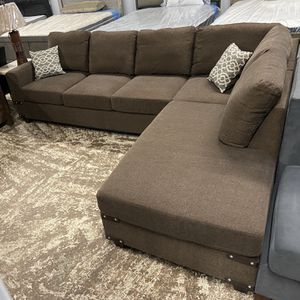 Sofa Sectional Reversible 2pc Chocolate Set for Sale in Long Beach, CA