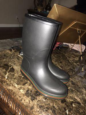 Gucci Rainboots Size 10 women/ Size 8 men for Sale in Memphis, TN