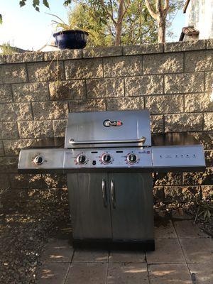 4 Burner ~ Char-Broil Propane Grill for Sale in Yorba Linda, CA