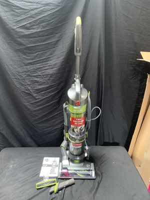 Hoover Air Lift Light Floor to Ceiling Upright Bagless Vacuum for Sale in Compton, CA