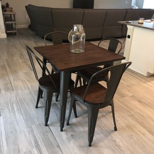 Kitchen table and chairs for Sale in Cape Coral, FL