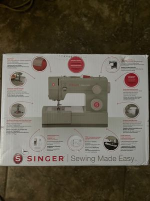 Singer 4423 Sewing machine for Sale in Tracy, CA