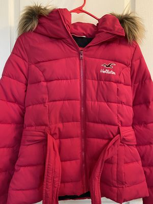 Hollister hot pink puff jacket faux fur for Sale in Temecula, CA