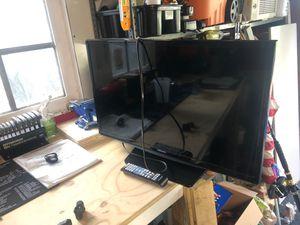 """28"""" Samsung tv for Sale in Boca Raton, FL"""