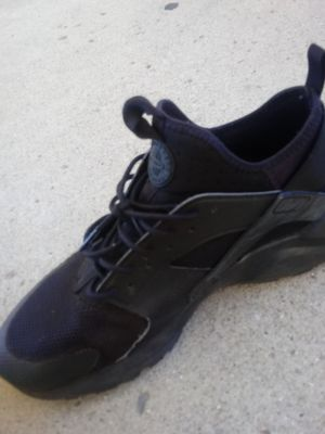 097a498b8b1 Black and gray foams for Sale in Fort Wayne