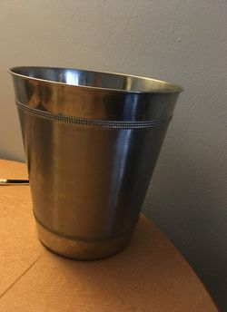 Steel wastebasket- excellent condition for Sale in Queens,  NY