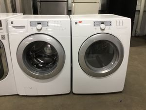 (Anoka 11163-EF AS) Kenmore White Front Load Washer & Dryer for Sale in Anoka, MN