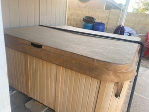 Atera hot tub for Sale in Phoenix, AZ