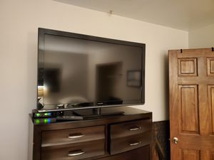 Panasonic 42 inch tv for Sale in St. Louis, MO